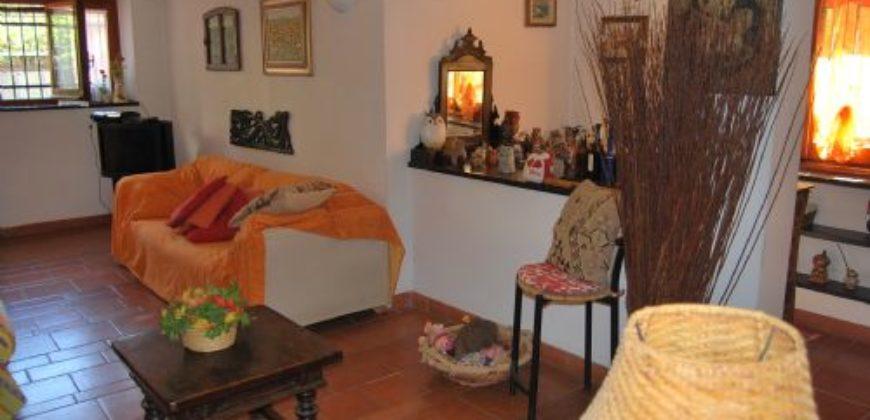 Vendita Villa Bifamiliare – 5 Locali